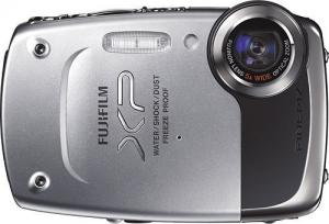 Fujifilm FinePix XP20 Silver 14 MP Digital Camera with 5x Optical Zoom and 2.7-Inch LCD