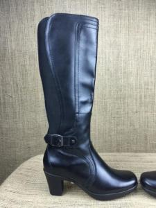 Boot Gorgeous-Clarks-Boots-Womens-Comfort-Boots-by-Clarks-US-Size-6M